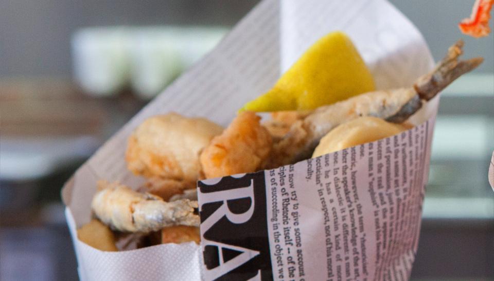 cucurucho-pescado-frito-freiduria-lute-y-jesus