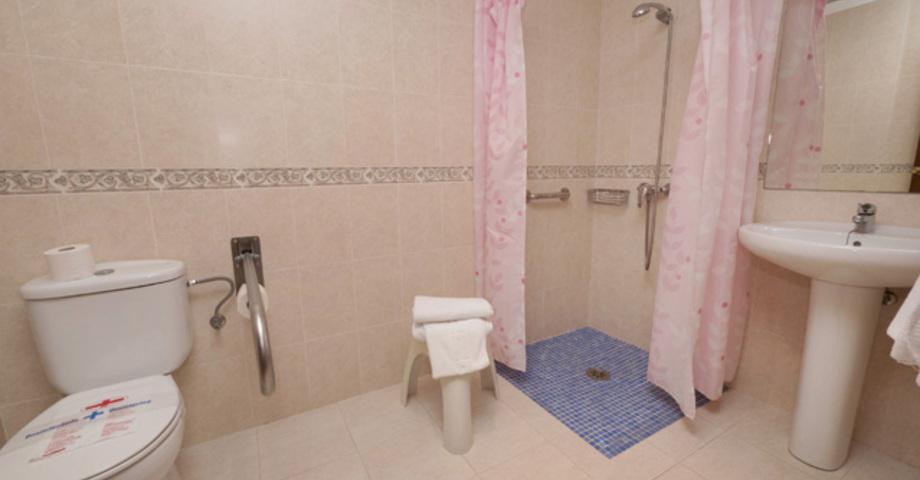 baño hostal velilla