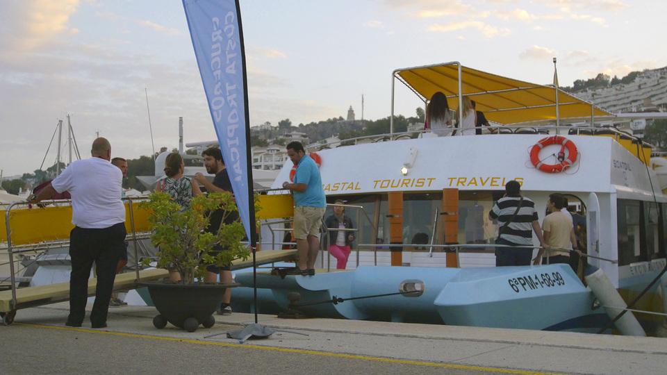 26-Atraque catamarán boatdil