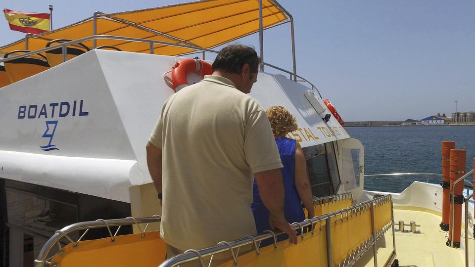 26-Catamarán Boatdil en el puerto de Motril